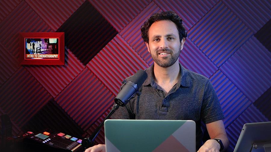 Koren in Podcast Studios